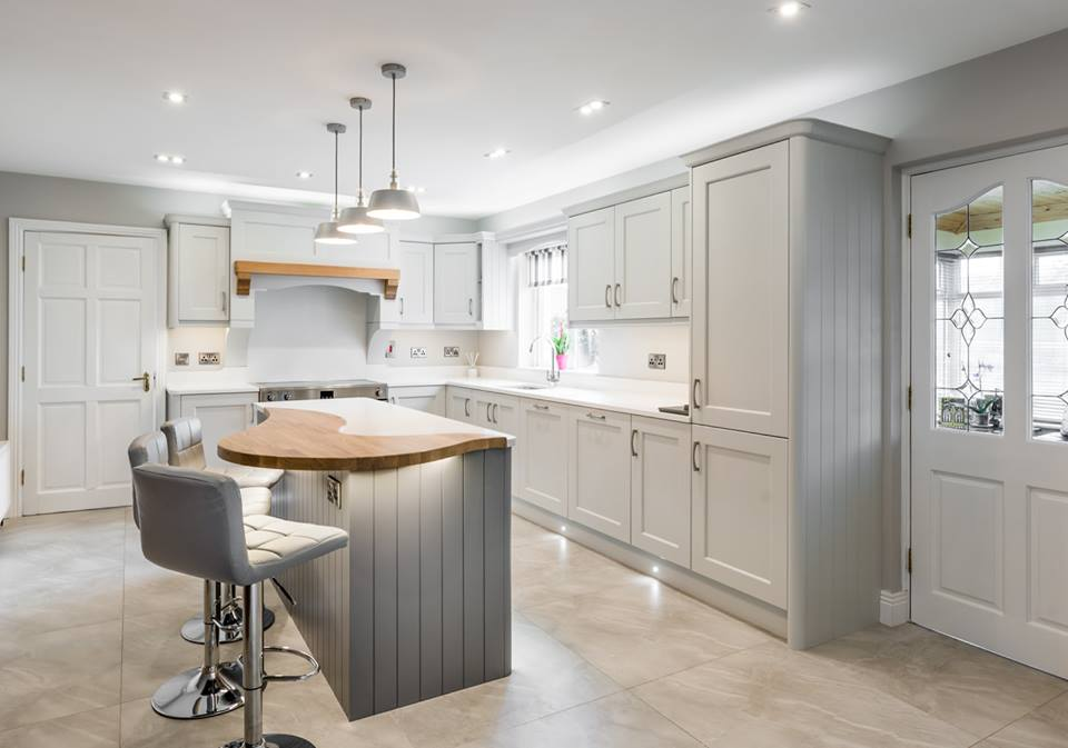 Traditional Kitchen with Oak Mix